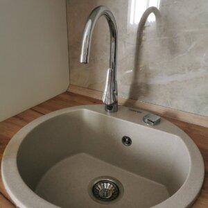 Set sudopera i slavina, granitna sudopera Gorenje KM 12 bež, odgovarajući sifon i Minotti Prima slavina sa 3 cevi