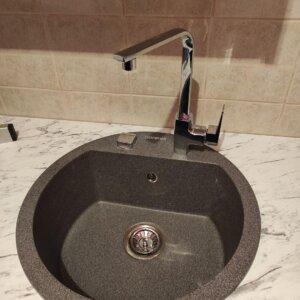 Komplet sudopera i slavina Gorenje KM 12 granit crna granitna sudopera + Elegance hrom jednoručna slavina sa dve cevi