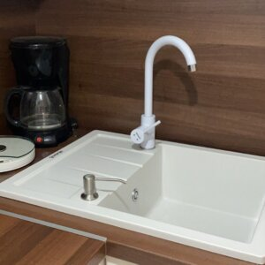 granitna sudopera km45 bela gorenje minotti bela slavina ugradni dozer za tečnost