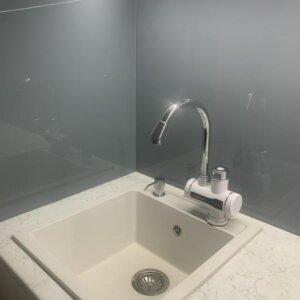 Bela granitna sudopera Gorenje Simply 4 i ugradni dozer za deterdžent